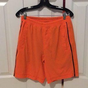 Lululemon men's orange shorts sz M 57525